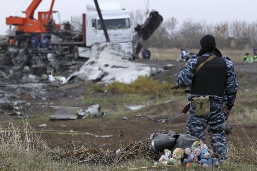 L'évacuation des débris du MH17 vers les Pays-Bas ont débuté