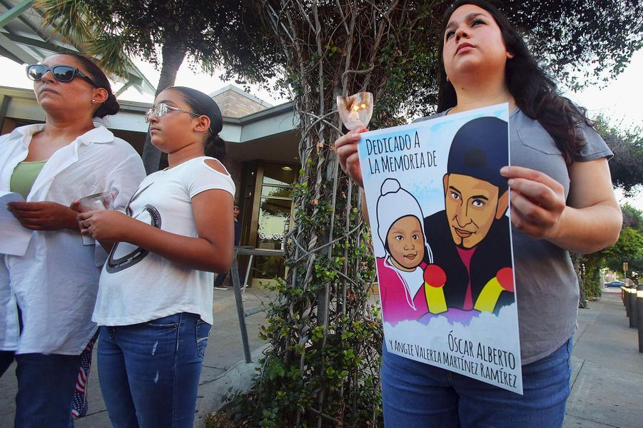 Les corps d'OscarAlberto Martinez et de sa fille Valeria, morts noyés en tentant de rejoindre les Etats-Unis en traversant le Rio Grande, ont été rapatriés au Salvador, où ils seront enterrés.