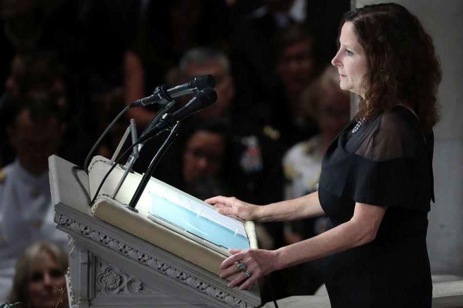 Trois présidents des Etats-Unis, mais pas Donald Trump, ont assisté aux funérailles nationales de John McCain, samedi à Washington. Ici Megan McCain.