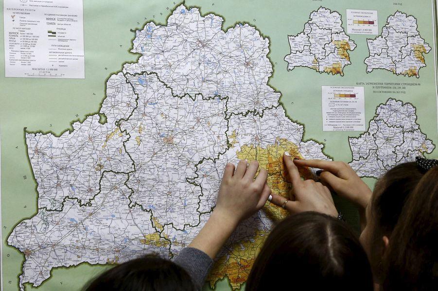 Dans un centre de rééducation près de Minsk (Biélorussie), des enfants victimes de séquelles de la catastrophe nucléaire de Tchernobyl.
