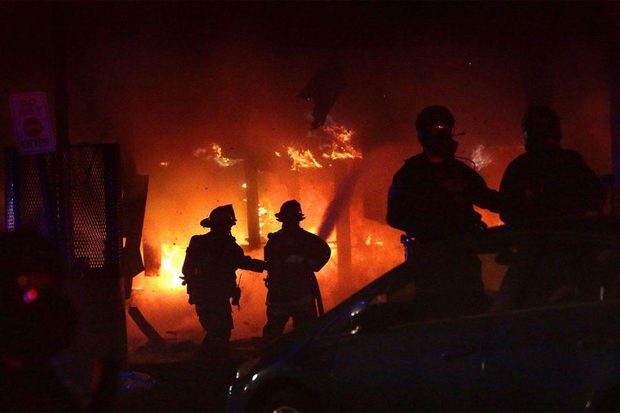 Une scène d'émeute àSt. Louis, dans le Missouri
