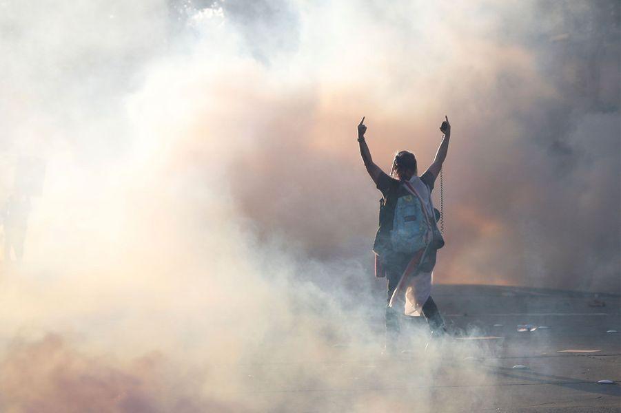 Un manifestant àOakland, en Californie