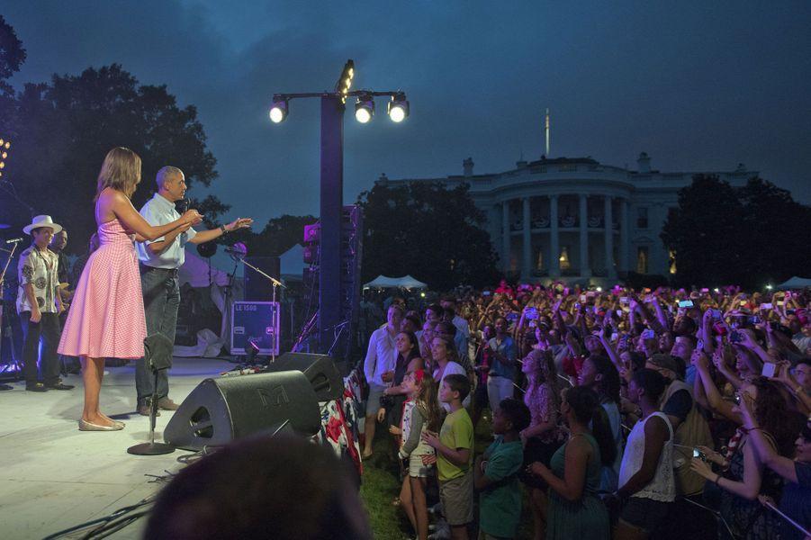 Barack et Michelle Obama devant leurs invités à la Maison Blanche