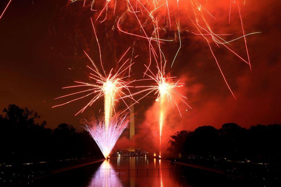 Le Washington Monument sous les feux d'artifices