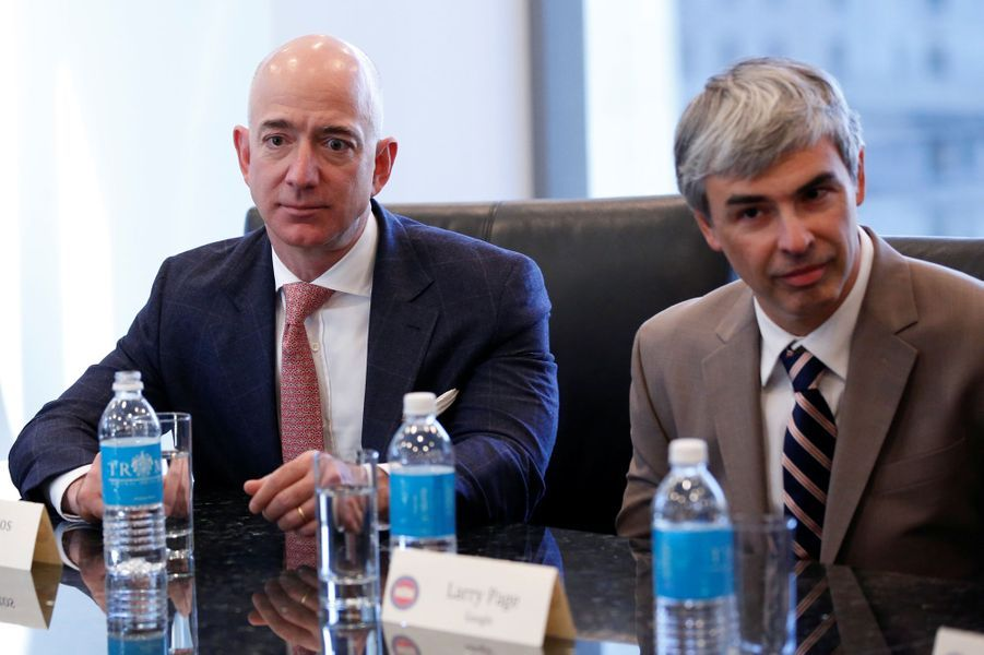 Jeff Bezos (Amazon) et Larry Page (Google) à la Trump Tower, le 14 décembre 2016.