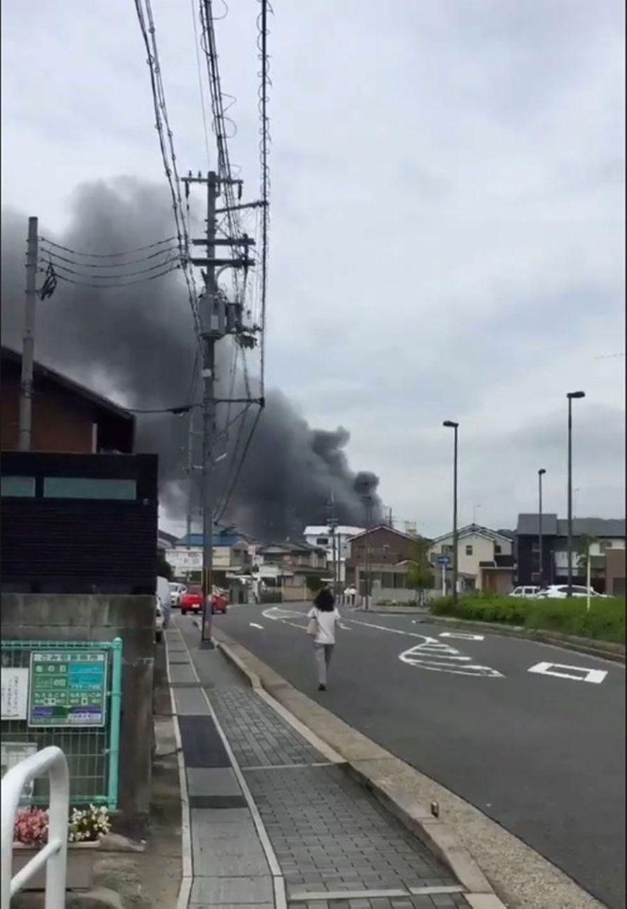 Le feu s'est apparemment déclenché aux alentours de 10h30 heure locale dans le studio d'animation situé à Kyoto