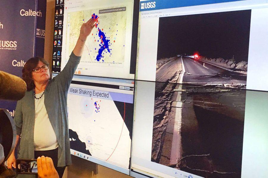 La sismologue Lucy Johnson lors d'une conférence de presse vendredi soir, après le séisme, à Pasadena, en Californie.