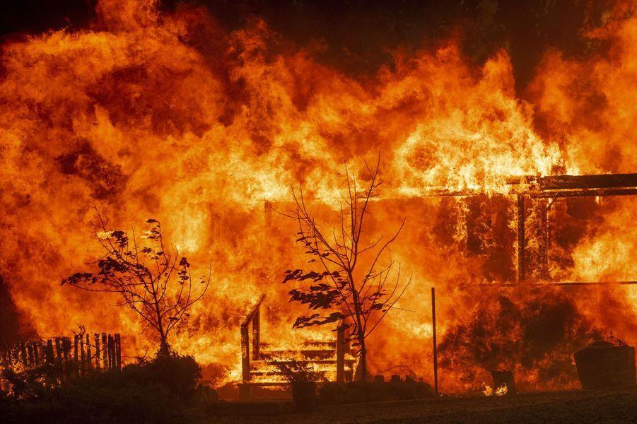 Les flammes en Californie