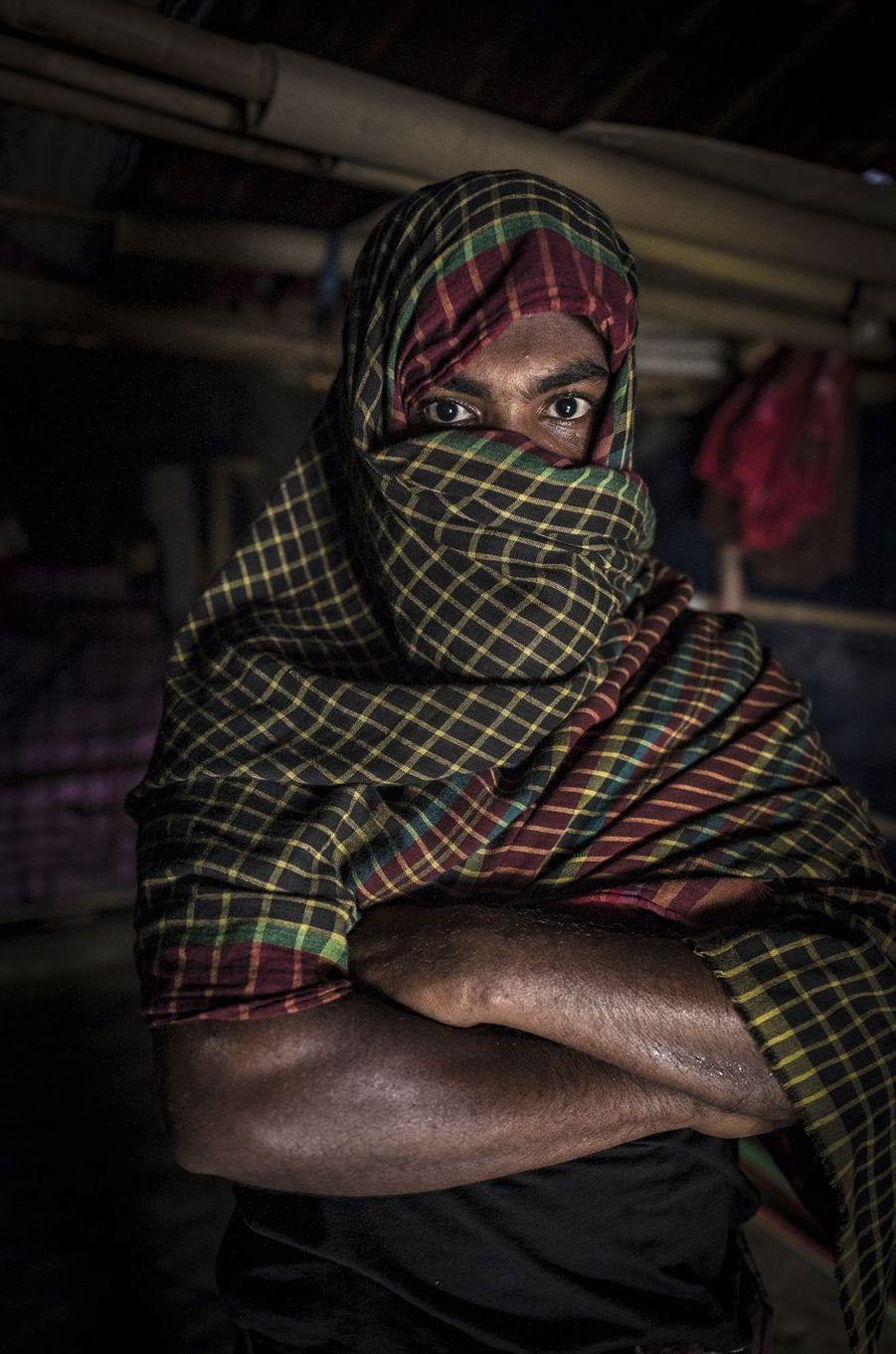 Ce militant de l'Armée du salut des Rohingyas de l'Arakan a participé aux attaques qui ont déclenché les représailles de l'armée birmane en août 2017. Il se dit prêt à repartir au combat.