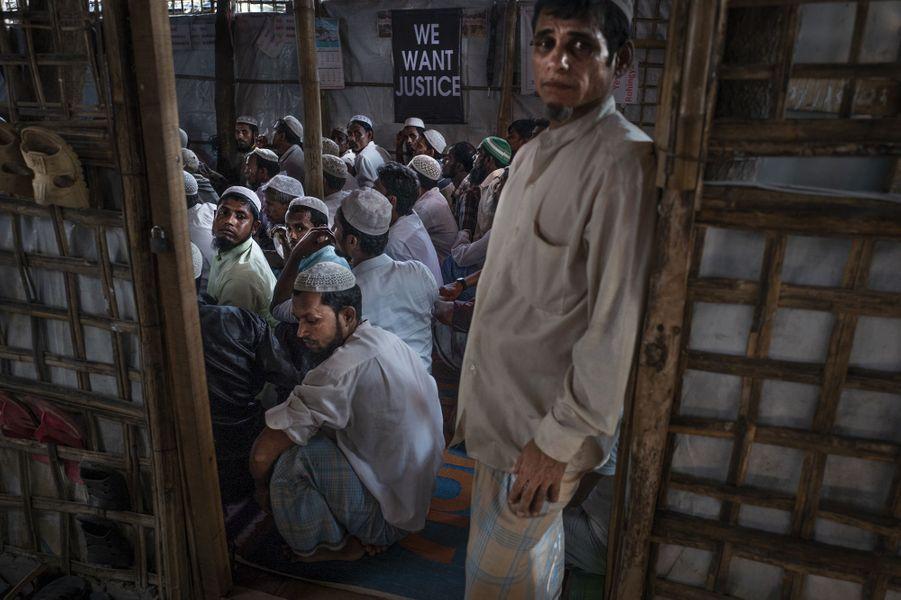 Au sein des camps, la Société des Rohingyas de l'Arakan pour la paix et les droits de l'homme souhaite que la Cour pénale internationale reconnaisse le génocide.