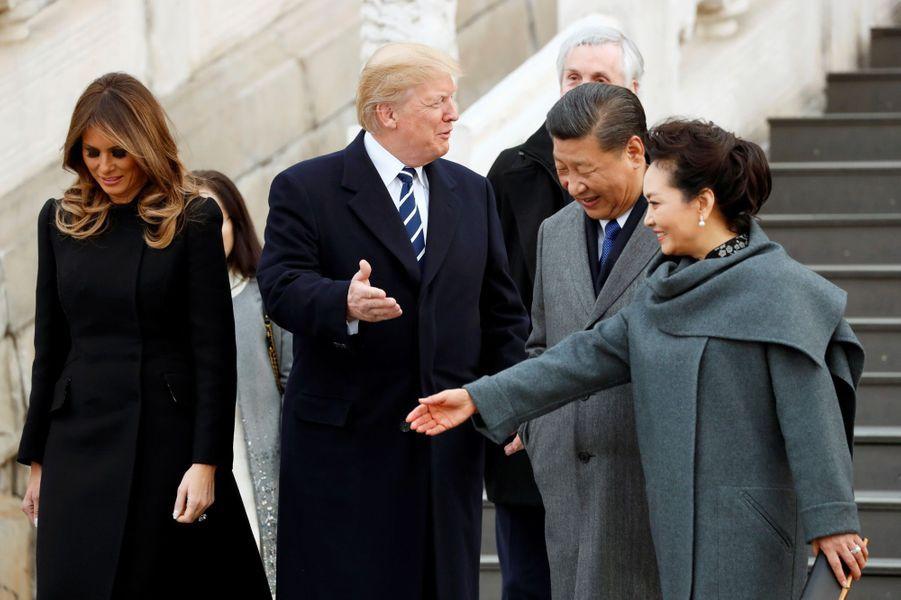 Melania et Donald Trump à la Cité Interditeavec le président chinois Xi Jinping et son épouse Peng Liyuan, le 8 novembre 2017.