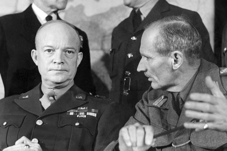 Dwight David Eisenhower et Bernard Montgomery à Londres en 1944.
