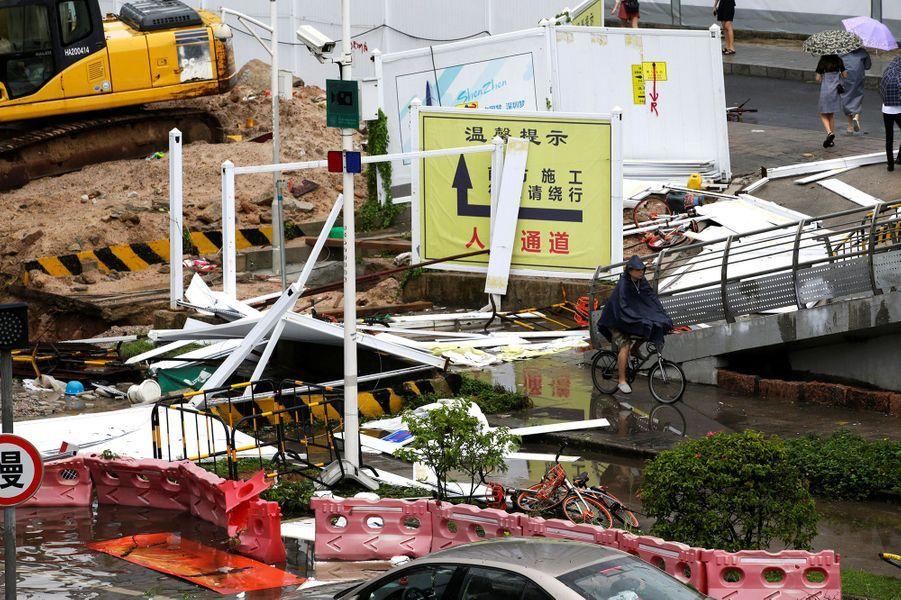 Les dégâts dutyphon Mangkhut à Shenzhen