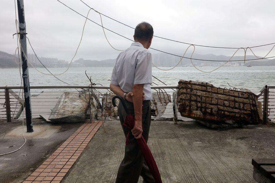 Le typhon Mangkhut a semé le chaos à Hong Kong