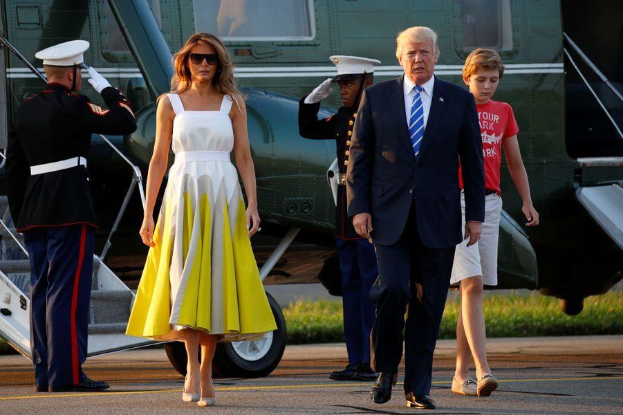 Melania, Donald et Barron Trump de retour à la Maison Blanche, le 20 août 2017.