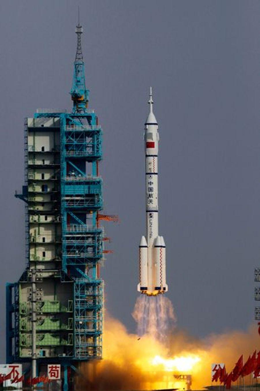 Lancement de la fusée