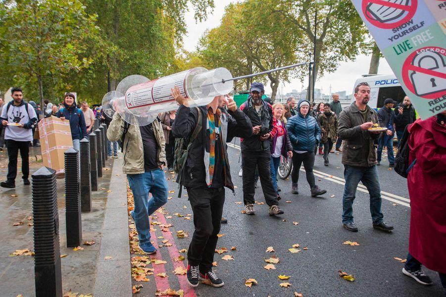 Londres, dimanche 25 octobre.