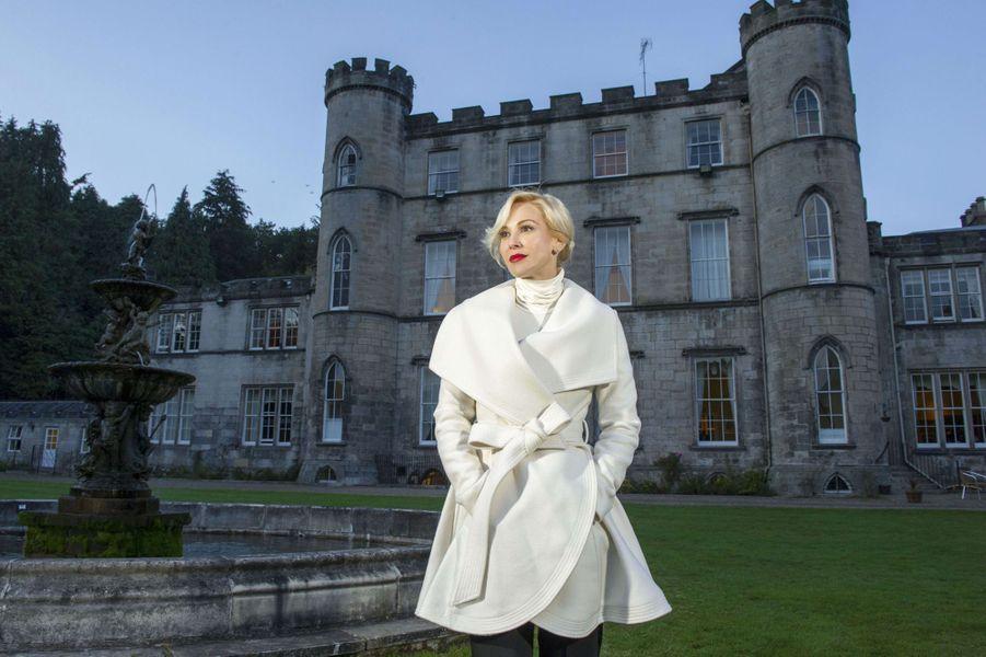 Louise Linton dans le château de ses parents àDalkeith, en Ecosse, le 15 octobre 2015.