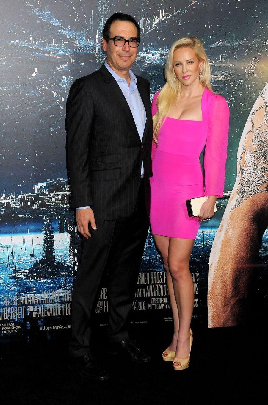 Steven Mnuchin et Louise Linton à la première de «Jupiter Ascending» à Los Angeles, le 2 février 2015.