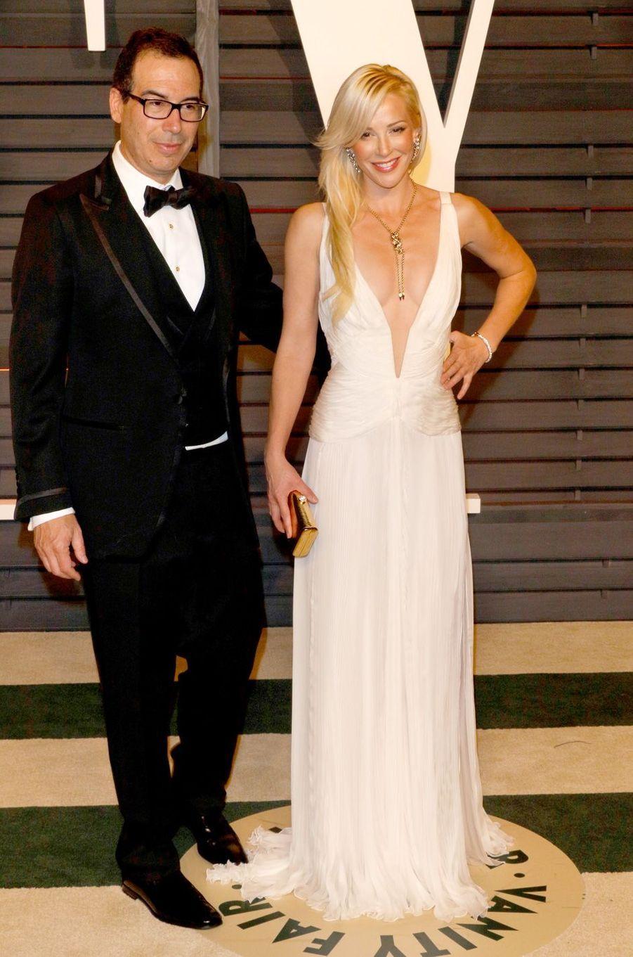 Steven Mnuchin et Louise Linton à la soirée post-Oscars de «Vanity Fair» à Los Angeles, le 22 février 2015.