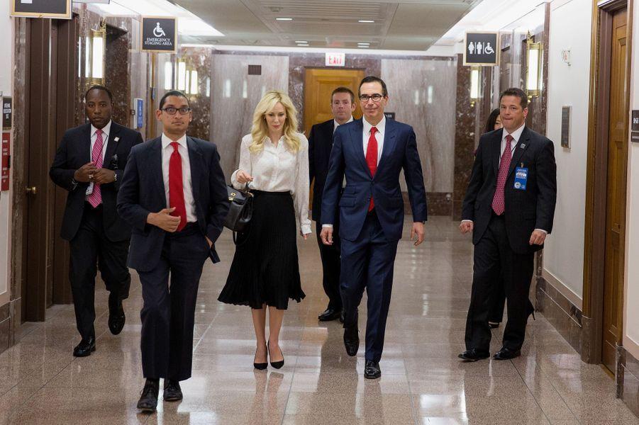 Steven Munchin et Louise Linton au Capitole, le 18 mai 2017.