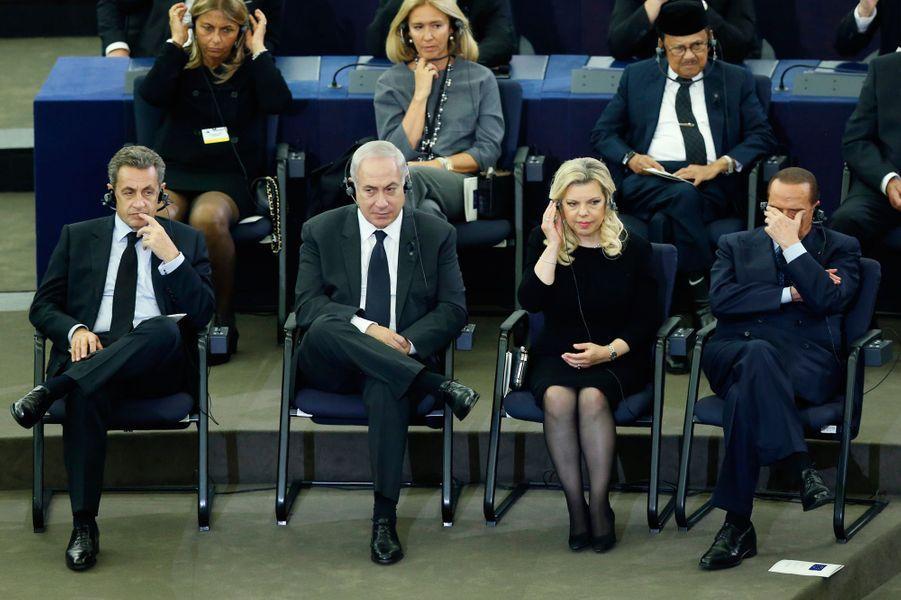 Nicolas Sarkozy, Benjamin Netanyahu, son épouse Sara et Silvio Berlusconi.