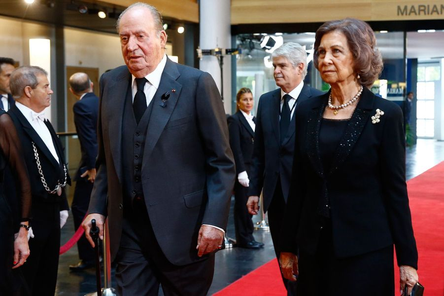 Arrivée de l'ancien souverain Juan Carlos et de son épouse l'ancienne reine Sofia.