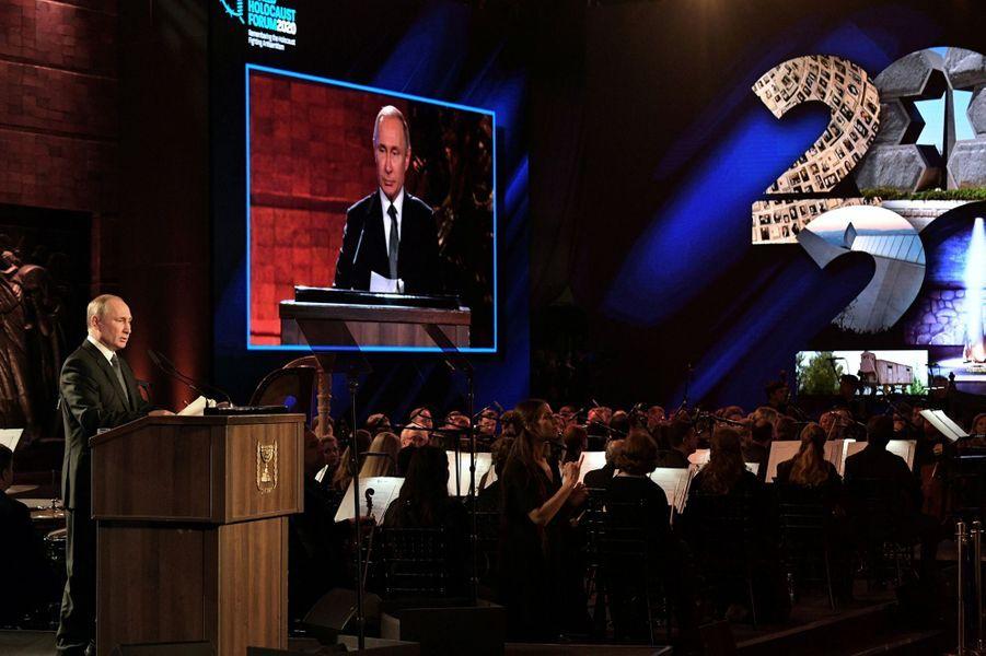 Vladimir Poutine àYadVashem, le mémorial de la Shoah à Jérusalem,pour marquer le 75e anniversaire de la libération du camp nazi d'Auschwitz.