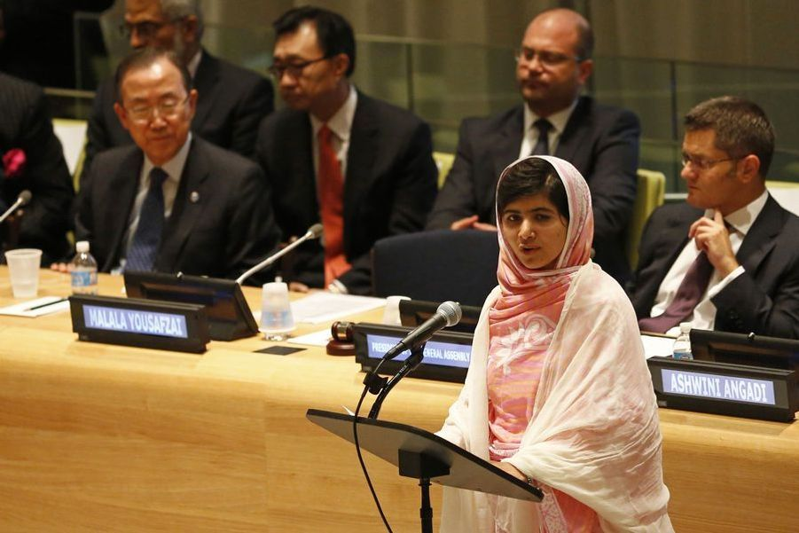 Malala donnant un discours devant l'Assemblée générale des jeunes des Nations Unies, le 12 juillet 2013