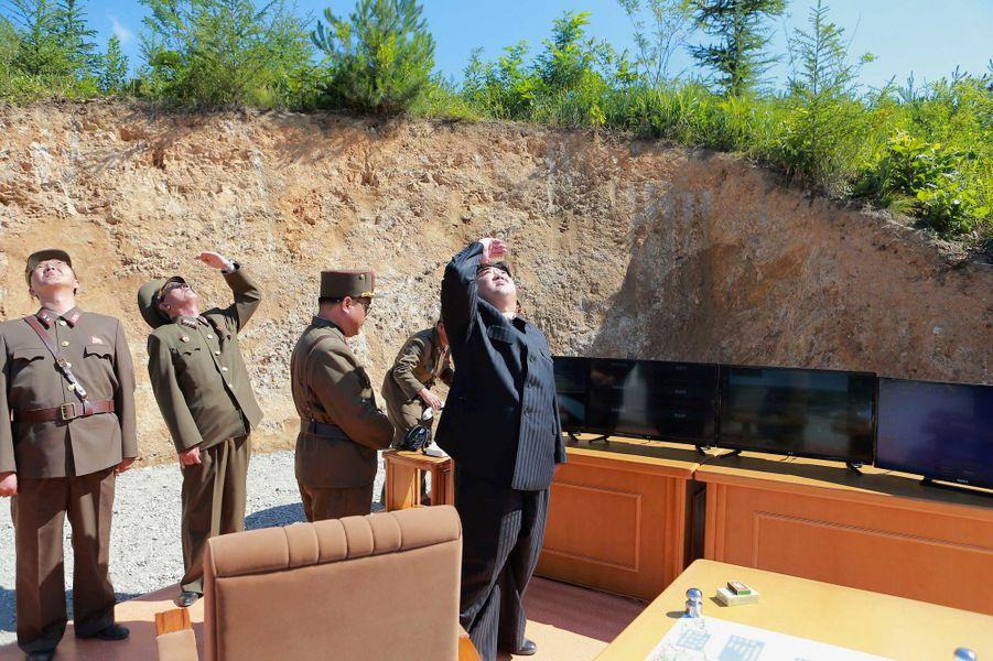 Kim Jong-un lors du tir du missile intercontinental, le 5 juillet 2017.
