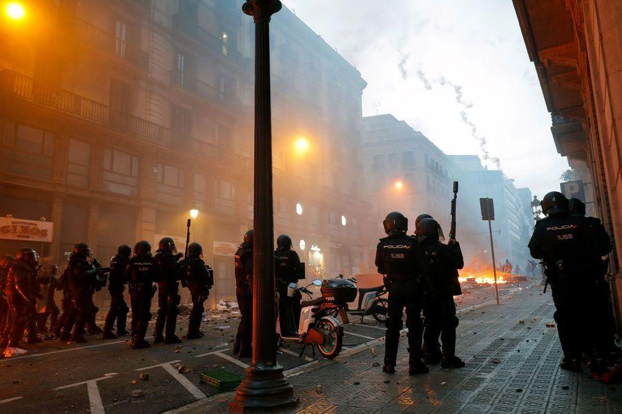 Des heurts ont éclaté à Barcelone en marge de la manifestation des indépendantistes, vendredi
