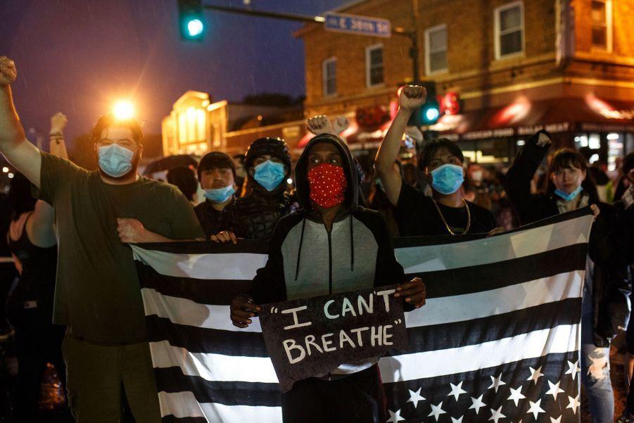 Manifestation à Minneapolis, aux Etats-Unis, le 27 mai 2020.