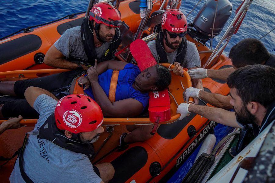 La star de la NBA Marc Gasol a raconté dans une vidéo le sauvetage en mer auquel il a assisté aux larges des côtes libyennes. (Marc Gasol est à droite sur la photo).