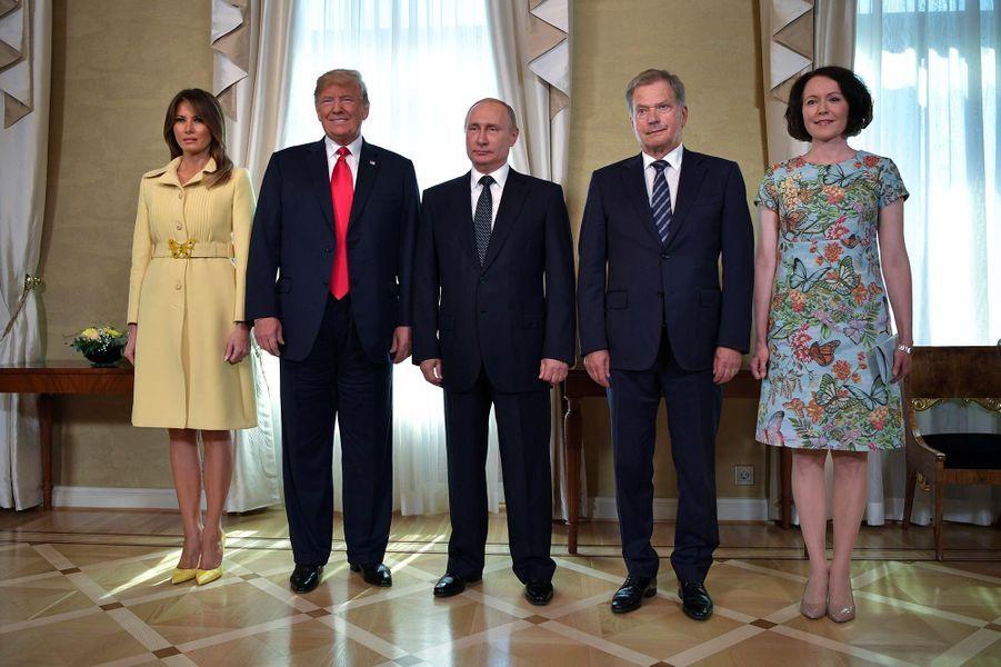 Melania et Donald Trump, avec Vladimir Poutine, le président finlandais Sauli Niinisto et son épouse Jenni Haukio à Helsinki, le 16 juillet 2018.