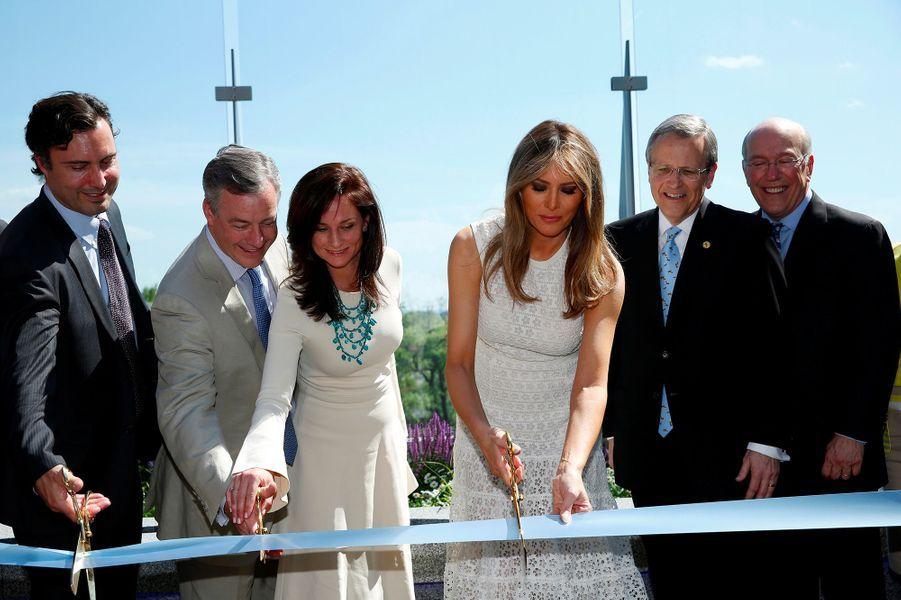 Melania Trump a inauguré le nouveau jardin duChildren's national medical center de Washington.