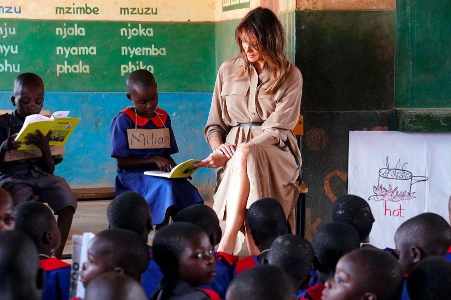 Melania Trump dans une école de Lilongwe, au Malawi, le 4 octobre 2018.