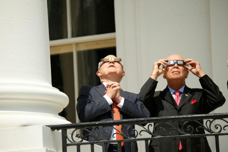 Jeff Sessions et Wilbur Ross à la Maison Blanche, le 21 août 2017.