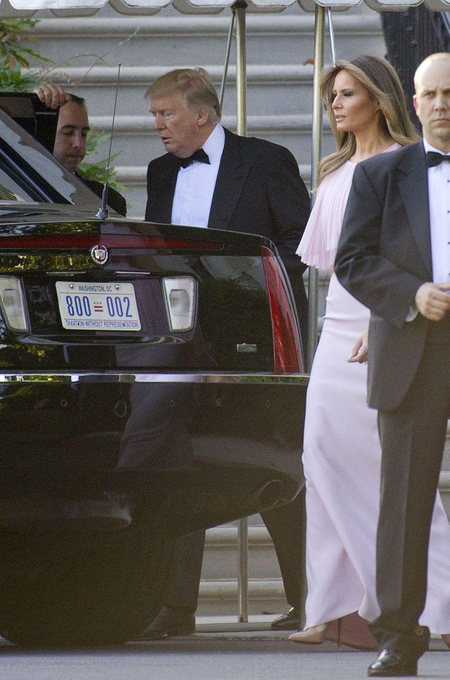 Donald et Melania Trump quittant la Maison Blanche, le 24 juin 2017.