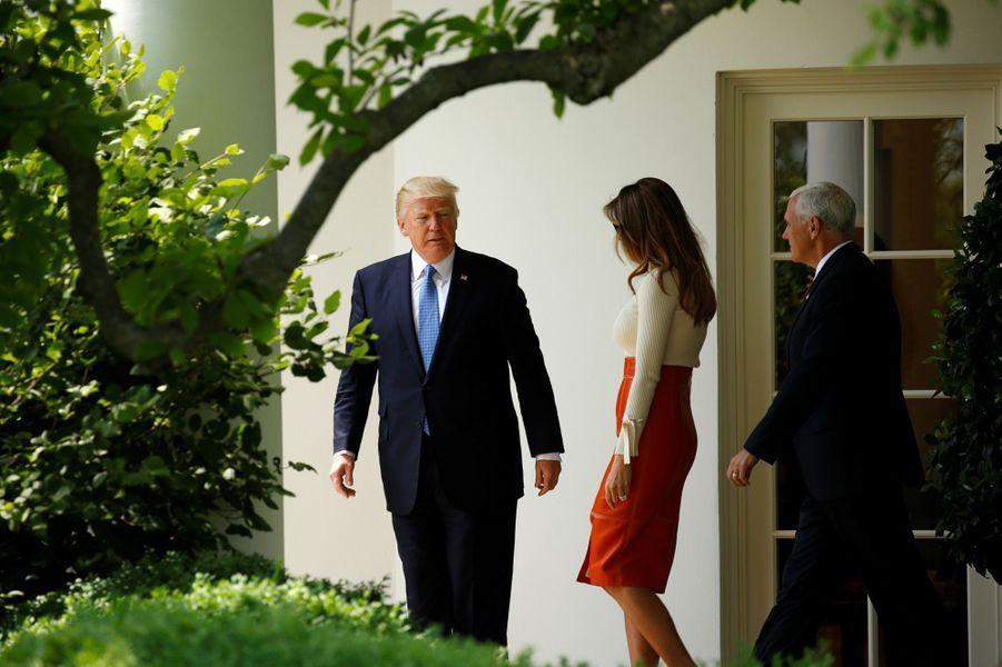 Donald Trump et Melania Trumpquittant la Maison Blanche, le 19 mai 2017.