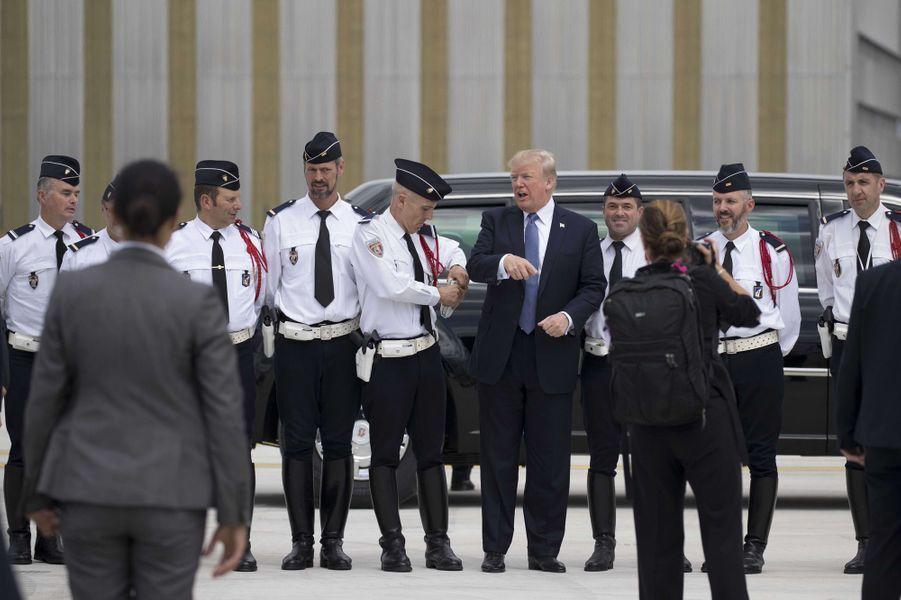 Donald Trump à l'aéroport d'Orly, le 14 juillet 2017.
