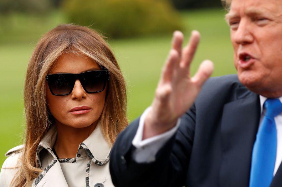Melania et Donald Trump à la Maison Blanche, le 13 octobre 2017.A voir : Les complotistes sont certains, Melania Trump a été remplacée par un double