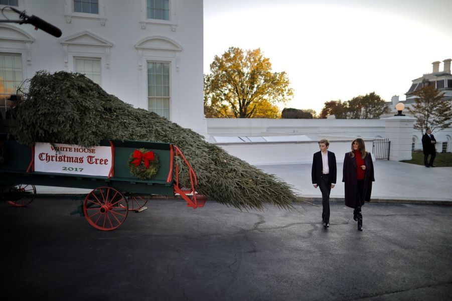 Barron et Melania Trump à la Maison Blanche, le 20 novembre 2011.A voir : Melania et Barron Trump ont reçu le sapin de Noël à la Maison Blanche