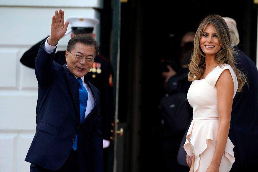 Melania Trump et le président sud-coréen Moon Jae-inà la Maison Blanche, le 29 juin 2017.