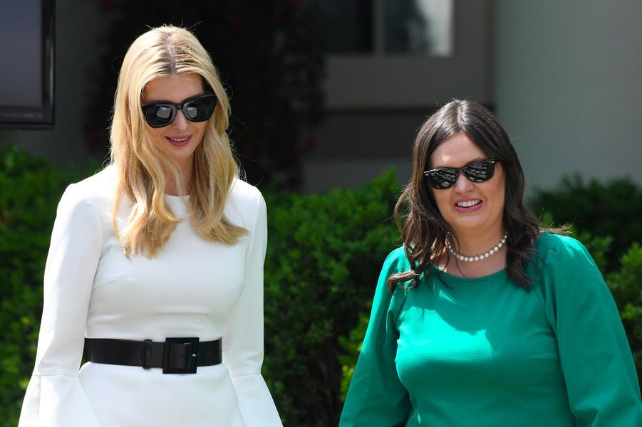 """Ivanka Trump et Sarah Sanders,lors de sa présentation de l'initiative """"Be Best""""à la Maison Blanche, le 7 mai 2018."""