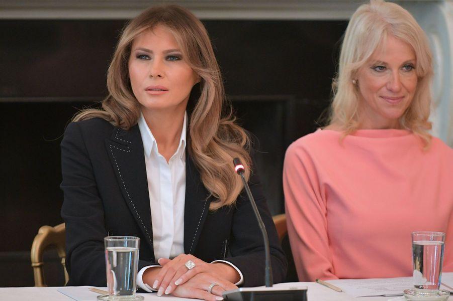 Melania Trump et Kellyanne Conway à la Maison Blanche, le 28 septembre 2017.
