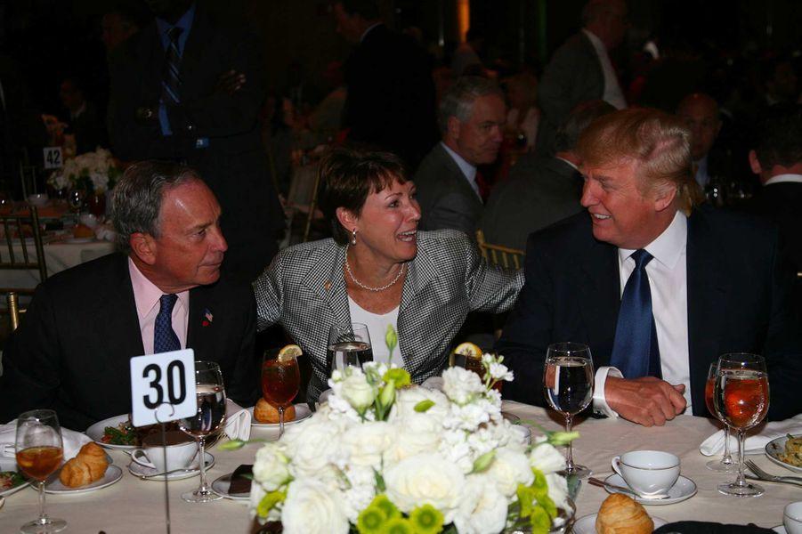 Michael Bloomberg et Donald Trump lors d'une soirée des New York Jets, en août 2008.