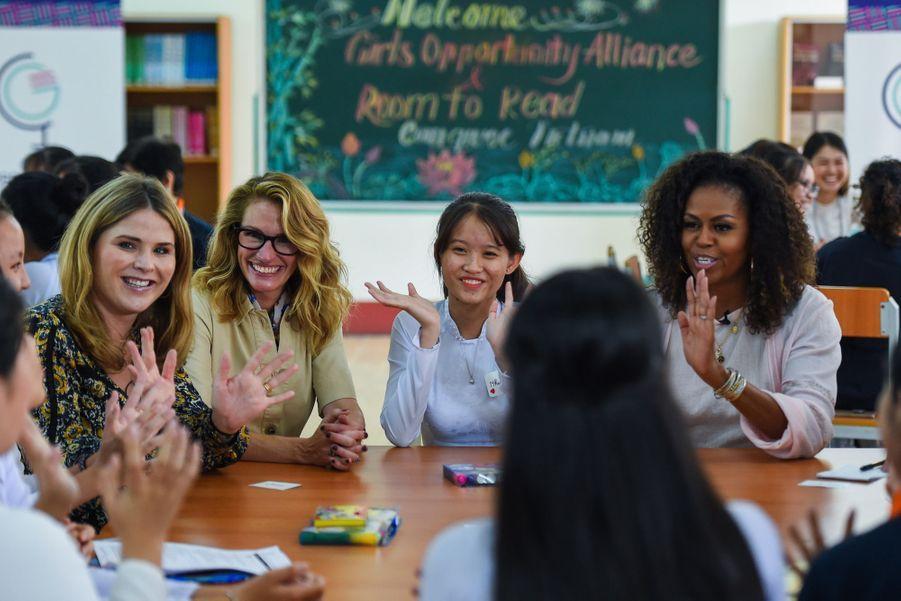Julia Roberts, Michelle Obama etJenna Bush Hagerle 9 décembre 2019 à Long An au Vietnam.