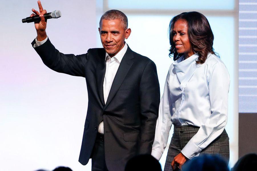 Michelle et Barack Obama au sommet de l'Obama Foundation à Chicago, le 31 octobre 2017.