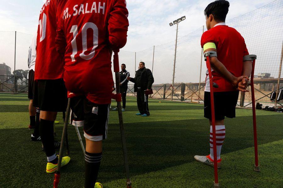 Entraînement de la Miracle Team, équipe égyptienne de footballeurs, au Caire, le 29 décembre 2017.