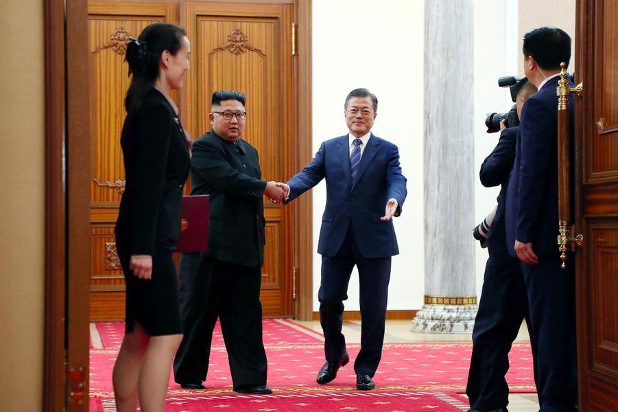 Kim Jong-un et Moon Jae-in à Pyongyang, le 19 septembre 2018.